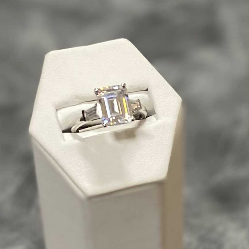 Joy-Den Jewelers - Diamond Engagement Rings