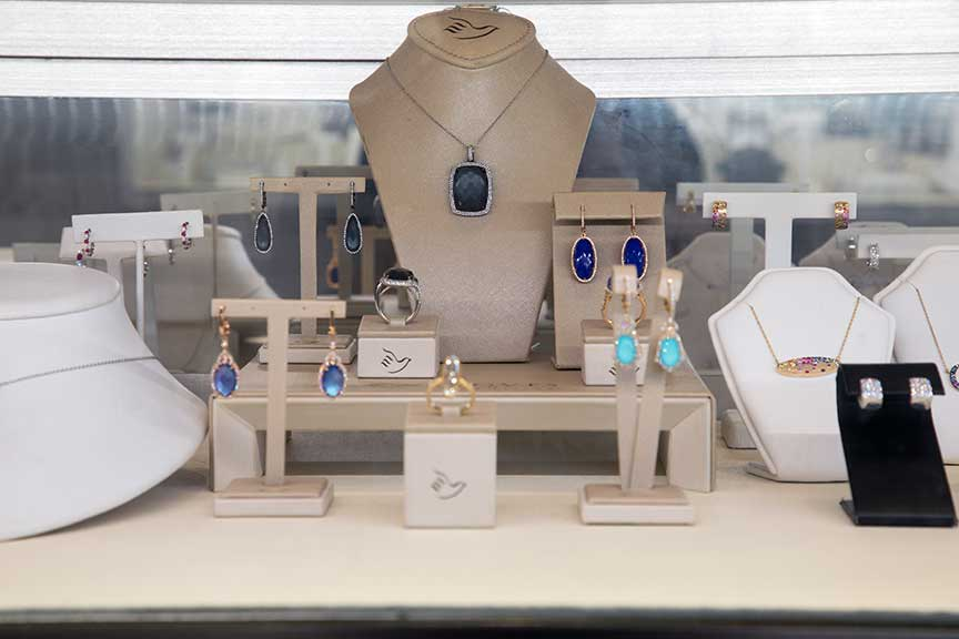 Joy-Den - Fine Jewelry Doves
